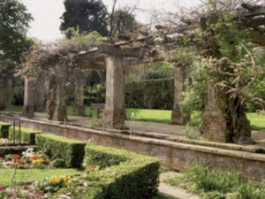 Stoke poges gardens of remembrance